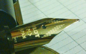 Here's the nib from the Metropolitan. It has those nice carrots next to the , which at this price, is pretty nice, AND it has some detail accentuating the lines of the nib.