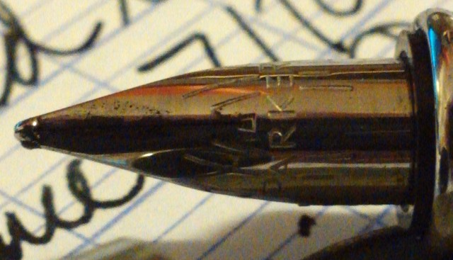 The pen uses the same modified Vector nib as many of Parker's other cheap pens. This means problems.